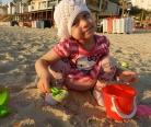 Маша Маринцева на прогулке после пересадки костного мозга