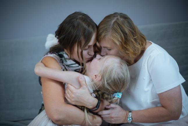 Бабушка, мама, дочь