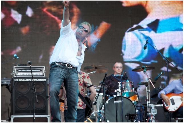"""Гарик Сукачев и группа """"Неприкасаемые"""", концерт """"Спасибо!"""", 1 июня 2011 года"""