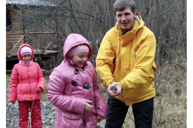Наташа Савченко и Денис Гасилин с уловом