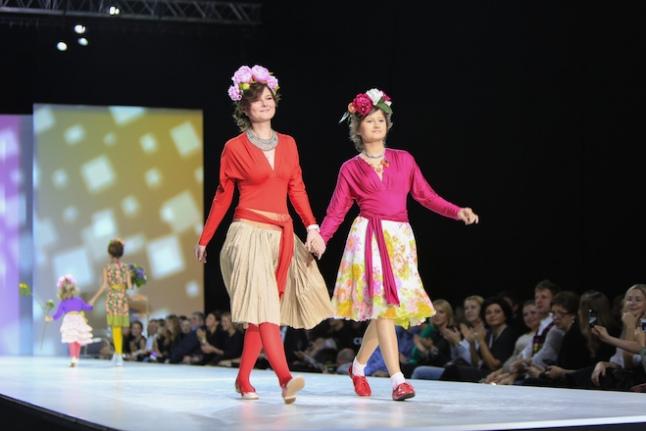 Полина участвует в показе мод