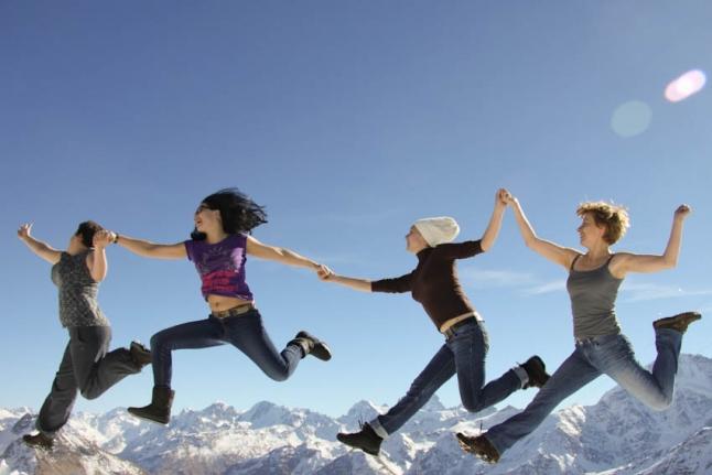 Волонтеры Алена Голяновская, Катя Заволокина, Лена Карасик и Лена Рачкова покоряют горы!