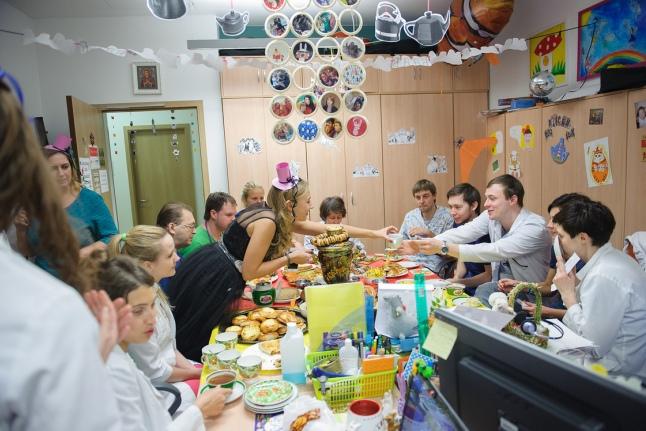Безумное чаепитие в Центре детской гематологии им. Димы Рогачёва