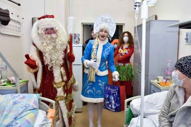 Подарки и поздравления для взрослых пациентов