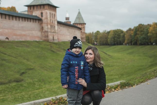 На прогулке у стен Кремля Великого Новгорода