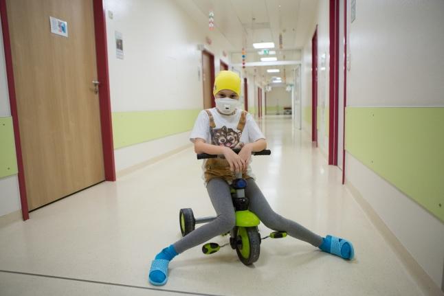 Маски необходимы для защиты онкобольных детей от инфекций
