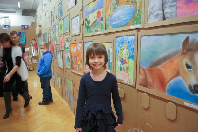 Наш бессменный автор — Соня Папушина со своими работами