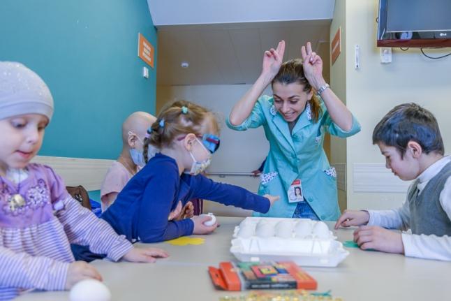 Волонтеры в Морзовской больнице готовы ради детей на все