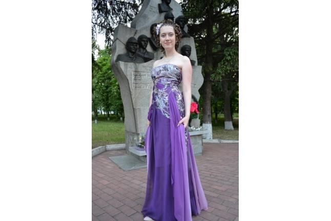 Настя Ващенко на выпускном вечере