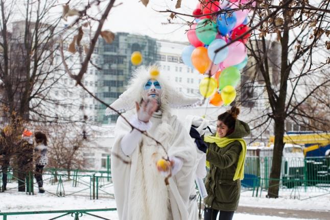 Артисты уличного театра «Пололо» в РДКБ
