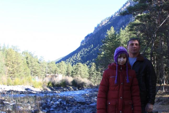 Эрна с папой на прогулке