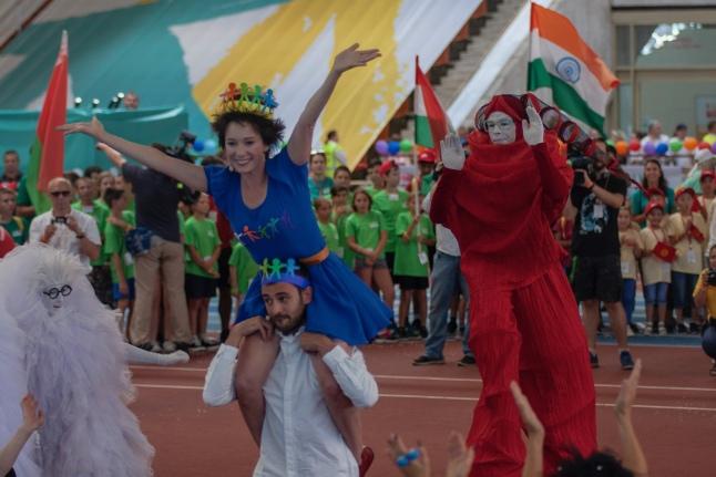 Ведущие церемонии открытия: Чулпан Хаматова, Риналь Мухаметов