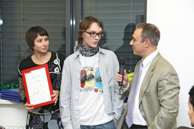 Г.А. Новичкова, А.А. Масчан и бывший подопечный Саша Васильев на встрече доноров костного мозга и реципиентов