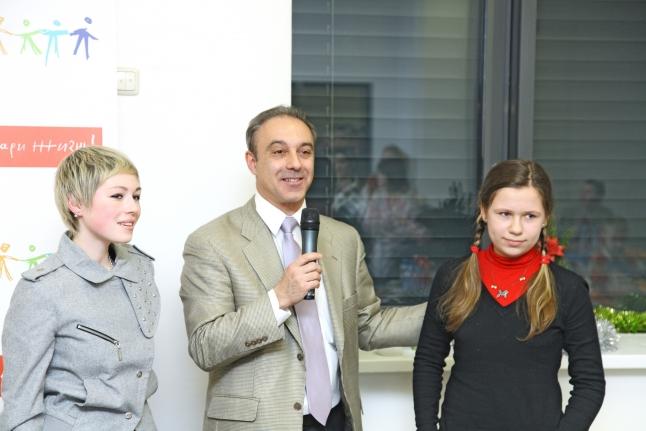 Алексей Масчан на встрече с пациентами, перенесшими трансплантацию КМ, и их донорами