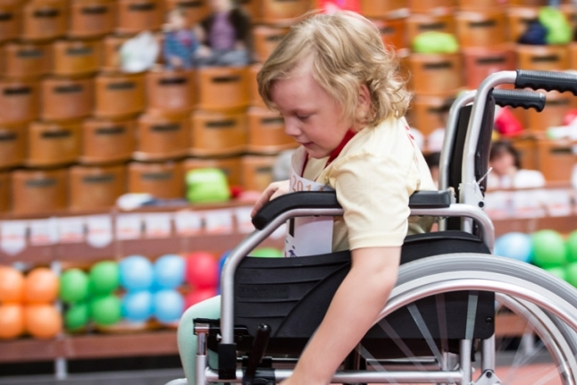 Индивидуальные участники — заезд на колясках, бег с поддержкой