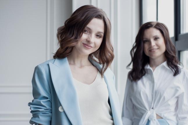 Аня и Кристина, роднее не бывает