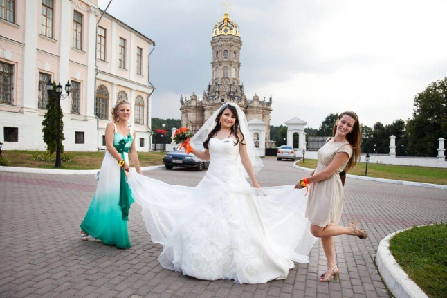 Саша Карасик - невеста