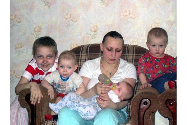 Аня с семьёй после пересадки костного мозга