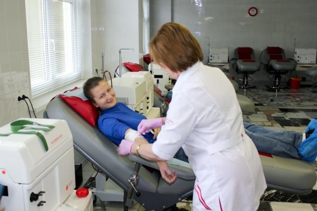 В донорском кресле Центра крови ФМБА