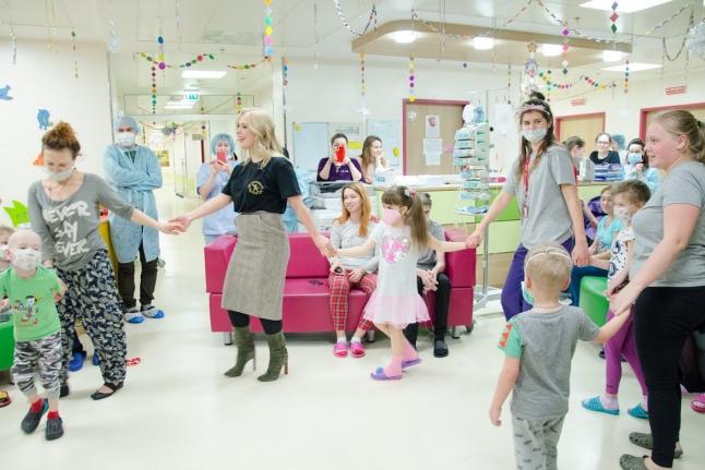 Пелагея в гостях у пациентов Центра