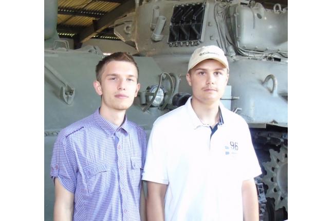 Илья (справа) с другом
