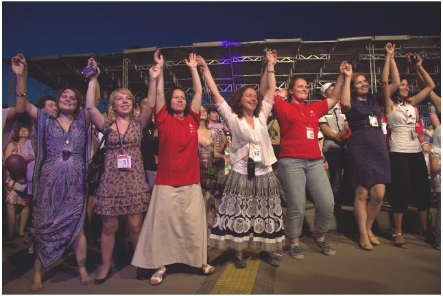 "Танцы перед сценой, концерт ""Спасибо!"", 1 июня 2011 года"