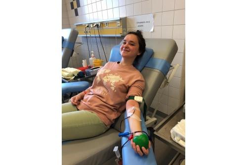 Вчера Софья сдала кровь первый раз
