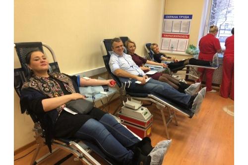 Сотрудники Росреестра регулярно сдают кровь для подопечных фонда