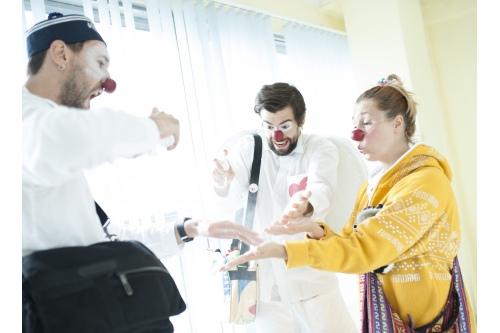 Клоун в больнице — это тоже врач