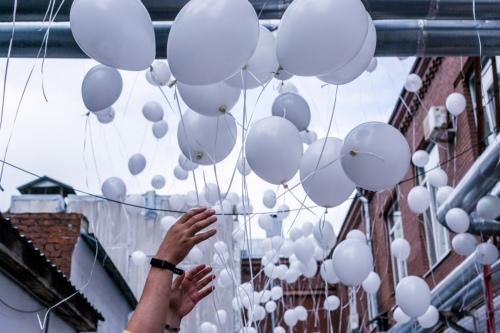Выпуск шаров в небо — особая часть каждого Дня памяти