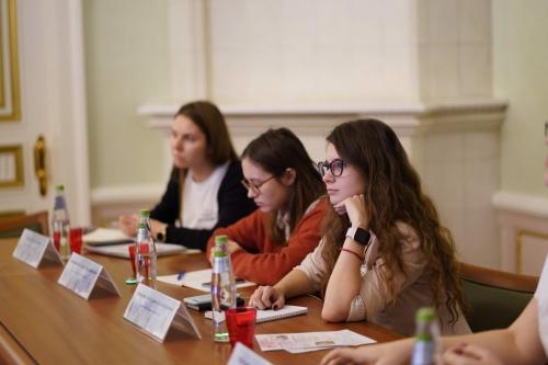 Круглый стол, представители студенческих сообществ