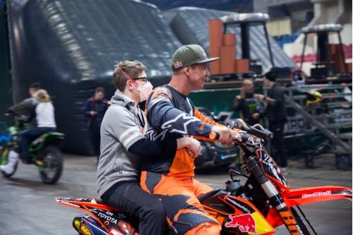 Андрей на мотоцикле