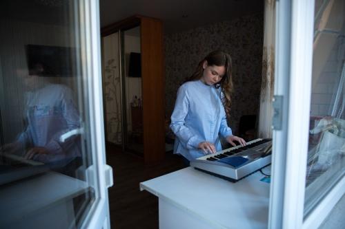 Пианино — новое в Аниной жизни
