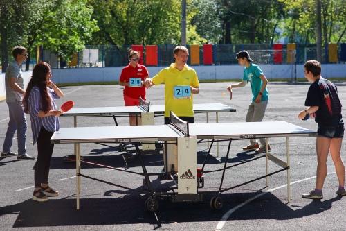 Пинг-понг пользовался бешеной популярностью у волонтеров