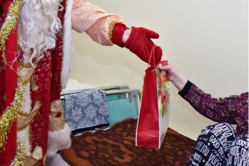 Что подарить ребятам, которые встретят Новый год в больнице?