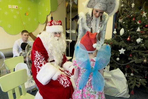 На елку дети всегда приходят в карнавальных костюмах