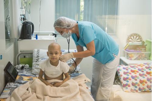 «Я прежде всего врач, но с огромным состраданием отношусь к ребенку и его родителям»