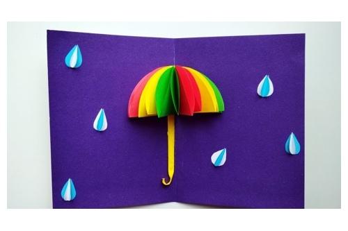 Оказалось, что мастер-классы можно проводить онлайн. Вот «Зонтик», который изготовили наши подопечные своими руками