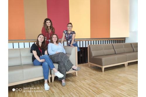 Катя и Алеся, Лена и Юля