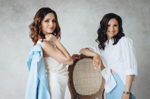 Сестры: Кристина, Анна