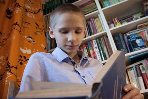 Последняя книга, надолго захватившая внимание мальчика, — приключения Шерлока Холмса