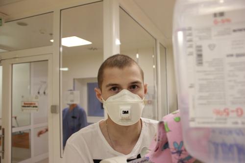 Вадим Сафаров в отделении Центра детской гематологии