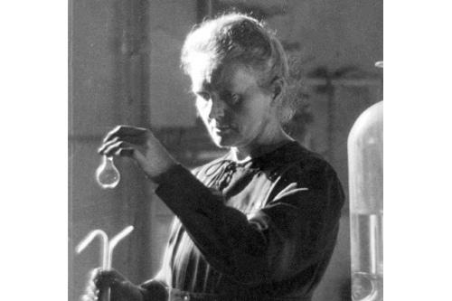 Развитие болезни у Марии Кюри было, скорее всего, вызвано постоянным контактом с радиоактивными веществами