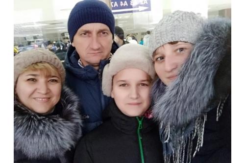 Ульяна с мамой, папой и младшим братом