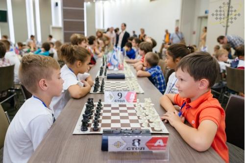 Шахматный турнир в разгаре