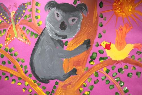 Но и красками Настя тоже иногда рисует