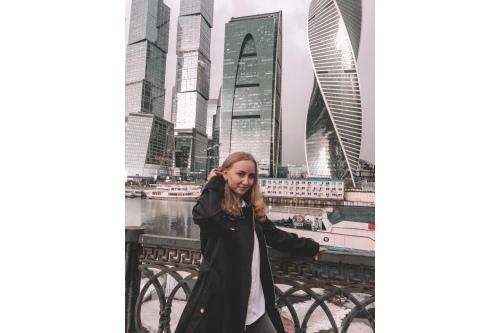 Женя мечтала о Москве. И теперь живет здесь и учится