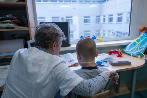 Благотворительная школа готова удовлетворить индивидуальные пожелания ребенка. Например, найти преподавателя японского языка