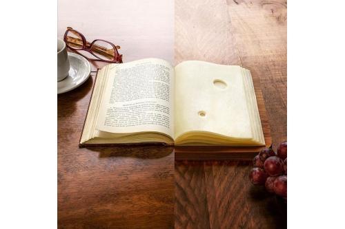 Почитать и помечтать. Автор: фотохудожник Стивен МакМеннами