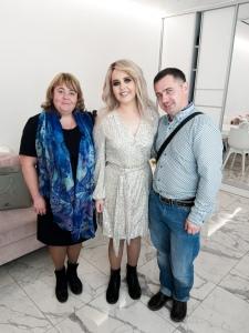 Даша с родителями